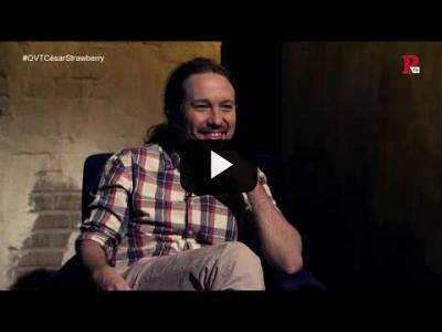Embedded thumbnail for Video: Otra Vuelta de Tuerka - Pablo Iglesias con César Strawberry