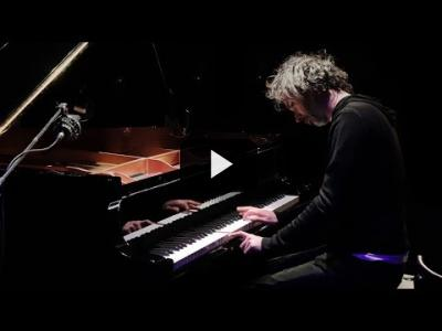 "Embedded thumbnail for Video: James Rhodes toca la ópera ""Orfeo y Eurídice"" de Gluck 