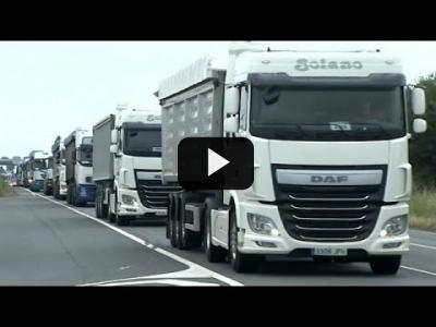 Embedded thumbnail for Video: Los transportistas españoles del carbón protestan por los efectos de la transición energética