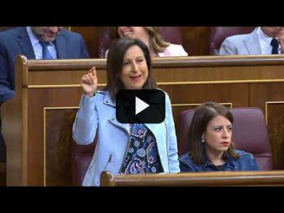 Embedded thumbnail for Video: Margarita Robles PONE MUY TENSO a Mariano Rajoy