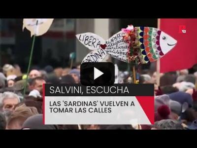Embedded thumbnail for Video: Salvini, escucha: las 'sardinas' toman las calles de Italia