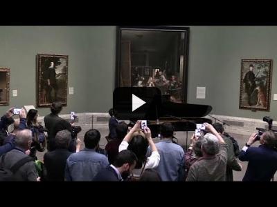 Embedded thumbnail for Video: Lang Lang enamora a las Meninas en el Museo del Prado