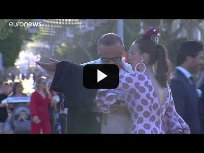 Embedded thumbnail for Video: La feria de abril de Sevilla cae en mayo