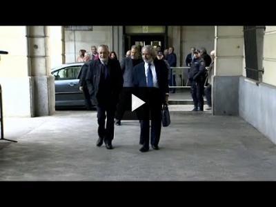 Embedded thumbnail for Video: Condenados dos expresidentes socialistas de la región española de Andalucía por corrupción