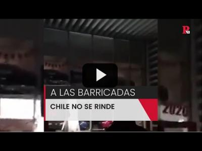 Embedded thumbnail for Video: A las barricadas: Chile no se rinde