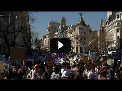 Embedded thumbnail for Video: Manifestaciones en toda España contra el cambio climático