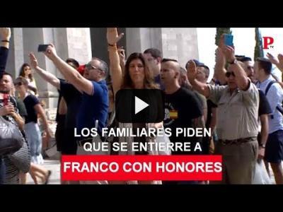 Embedded thumbnail for Video: Honores al exhumado: las exigencias de los familiares de Franco