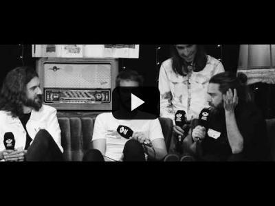 Embedded thumbnail for Video: En Crudo y En Directo, entrevistas con música en vivo de tus artistas favoritos