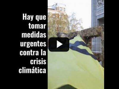 "Embedded thumbnail for Video: ¡ACCIÓN! Cambiamos las letras ""Madrid Green Capital"" en el inicio de la COP"